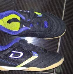 παπούτσια σε καλή κατάσταση στις 31