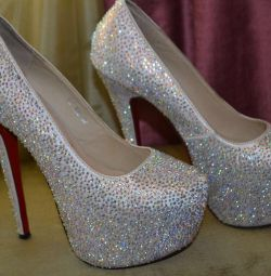 Christian Louboutin shoes size 38-39