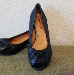 Pantofi cu piciorul deschis