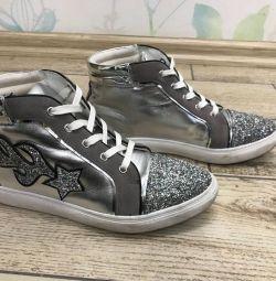 кроссовки ANDRE из Франции серебряные с блестками