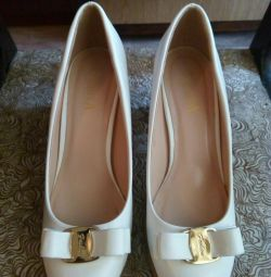 Туфлі 40 розміру
