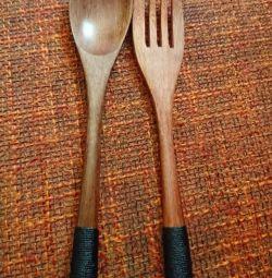 Ξύλινο κουτάλι και πιρούνι