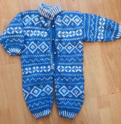 Woolen jumpsuit and hat