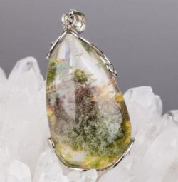 Pendant from LODOLITA (quartz with inclusions) + chain