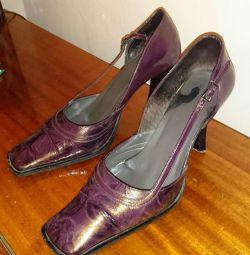 Shoes size 39
