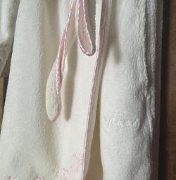 Φόρεμα μπουρνούζι, θηλυκό