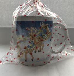 Κούπα δώρου με χριστουγεννιάτικο δέντρο για το νέο έτος