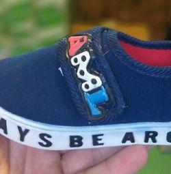Νέα μεγέθη Sneakers 20 !!!
