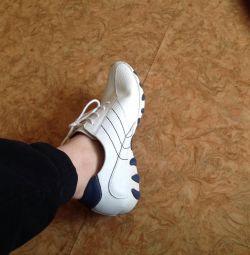 Ελαφριά γυναικεία παπούτσια