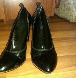 Παπούτσια μπότες μπότες