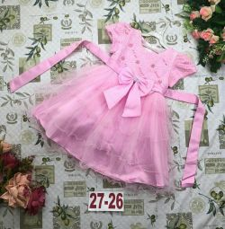 Φόρεμα κομψό για το νέο κορίτσι