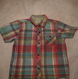 Επώνυμα πουκάμισο για ένα αγόρι