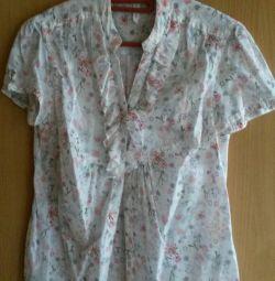 Women's shirts. Size L