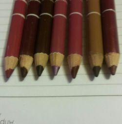Dudaklar için yeni kalemler