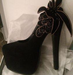 Παπούτσια Nubuck