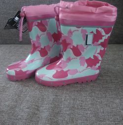 New boots 31,32