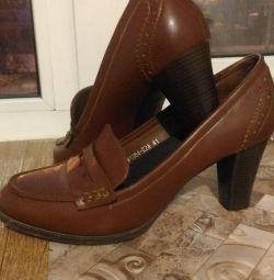 Παπούτσια 41r.