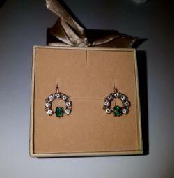 Серьги с бриллиантами и изумрудом. золото 583