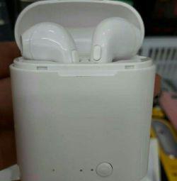 Căști wireless cu carcasă