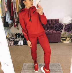 Κοστούμια κόκκινο λευκό αθλητικό σαλιάρικο πουλόβερ φούτερ