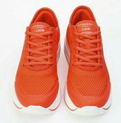 Τα πάνινα παπούτσια είναι καινούρια