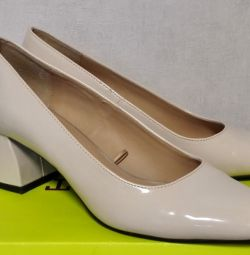 Туфли Zara Trafaluc на Каблуке Лак 37 размер