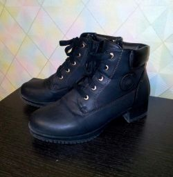 Demi shoes 39size