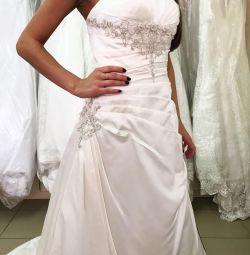 Нове Весільна сукня атлас