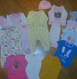 Set de haine pentru o fată 3-9 luni.