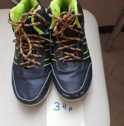 Spor ayakkabı 34r