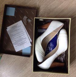 Pantofi din piele 39r