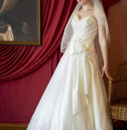 Vand o rochie de mireasa dupa o curatatorie