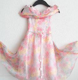 праздничное платье р.122