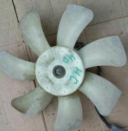 Honda Civic 4D Вентилятор радіатора основний