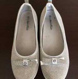 Παπούτσια 30r