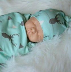 Uyku + şapka için bebek bezi seti