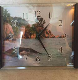 Часы Олимп. В деревянной раме. Новые.