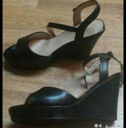 Sandals. Exchange.