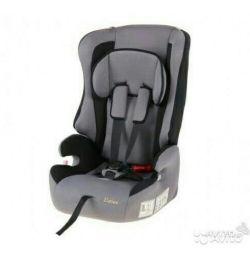 Автомобильное кресло новое
