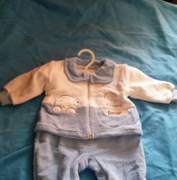 Детский костюм на новорождeнного
