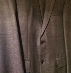 Чоловічий костюм брендовий