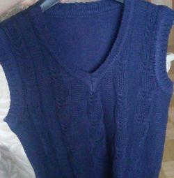 Нова синя жилетка для школяра