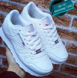 Adidasi Reebok pentru femei