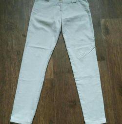 Pantaloni de vară alb