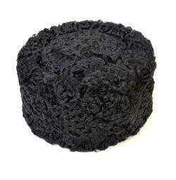 Pălăria pălărie este de culoare feminină astrakhan negru