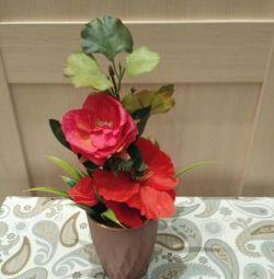 Aranjament floral realizat manual