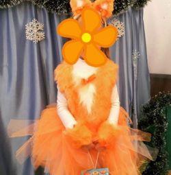 Bir tilki kostümü