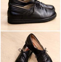 Чорні шкіряні черевички Passt! No.2