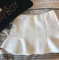 Νέα φούστα δαντέλα