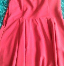 Продам платье 48